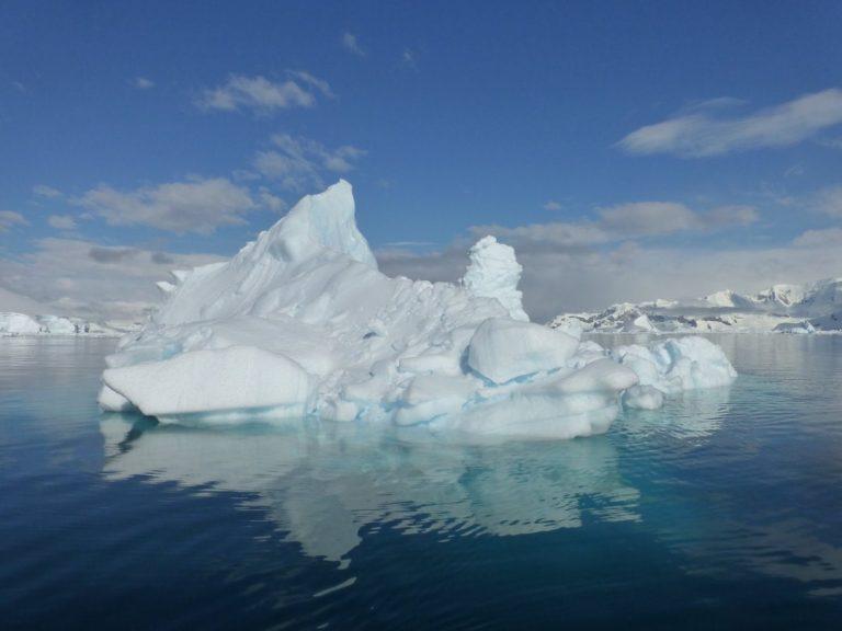 כיבוש הקוטב הדרומי – שייט לאנטארקטיקה